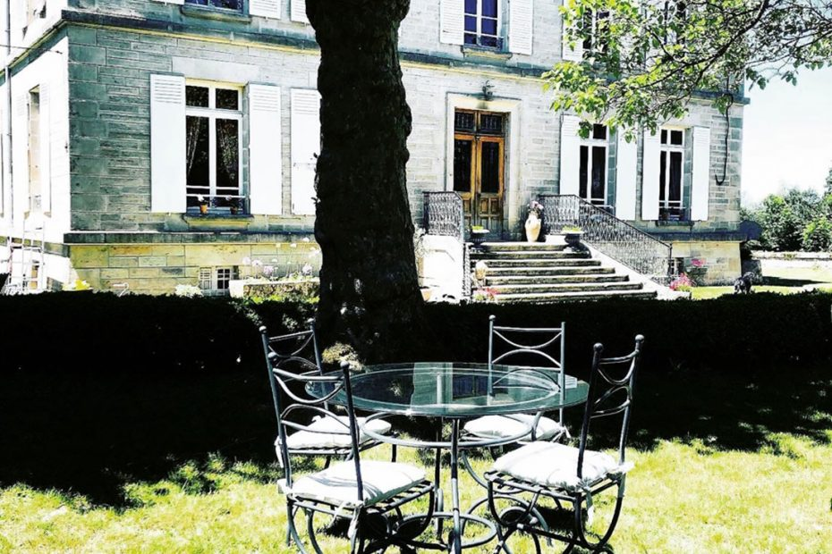 Chateau Gioux - Limousin Outside