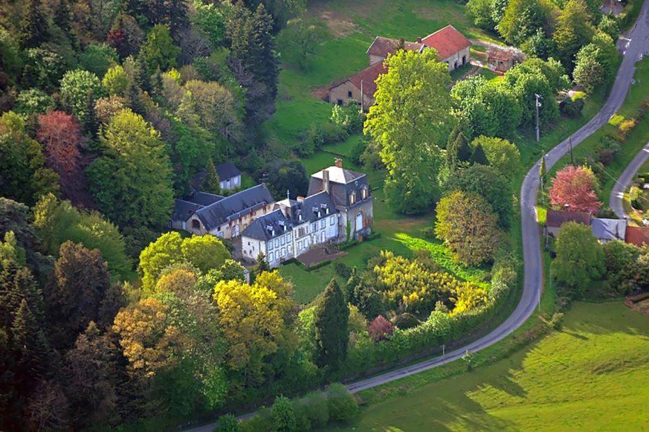 Chateau Joli Bois - Exterior 1