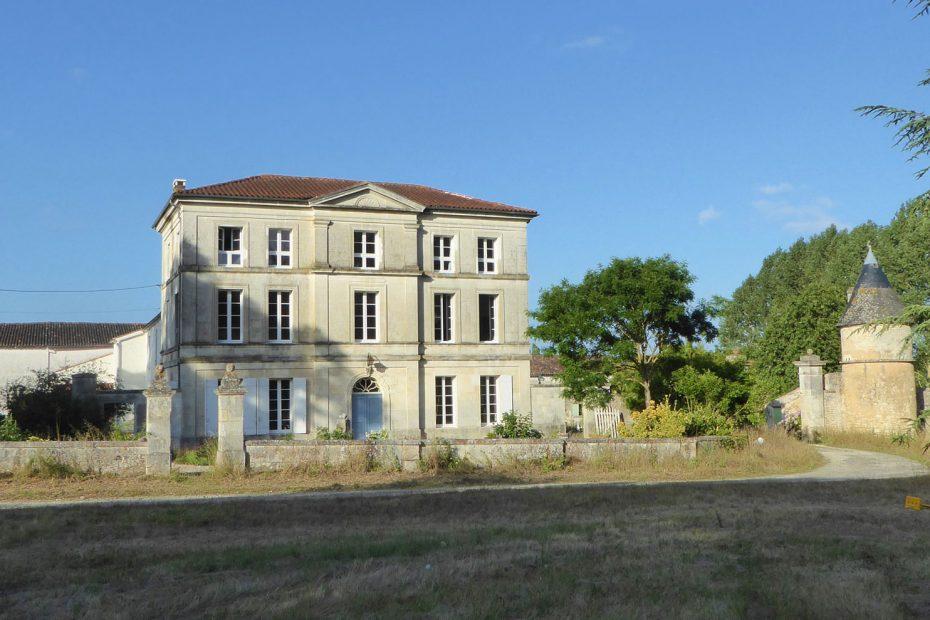 Domain De La Salle - Exterior 1